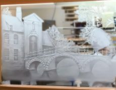 「こだわり」ページに「ガラスの彫刻」を追加しました